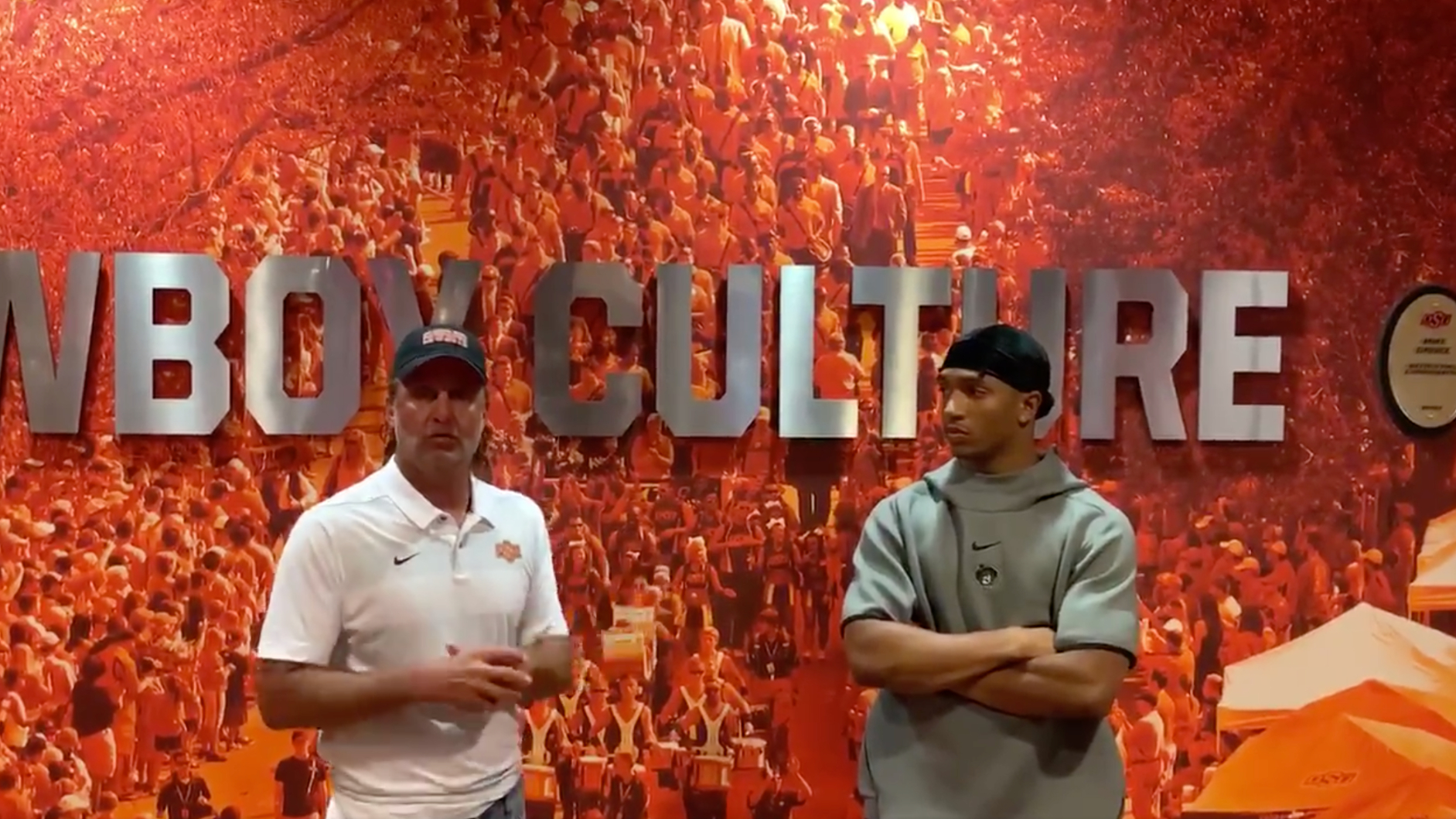 Photo of Mike Gundy, Chuba Hubbard appear in video to ease tension at Oklahoma State