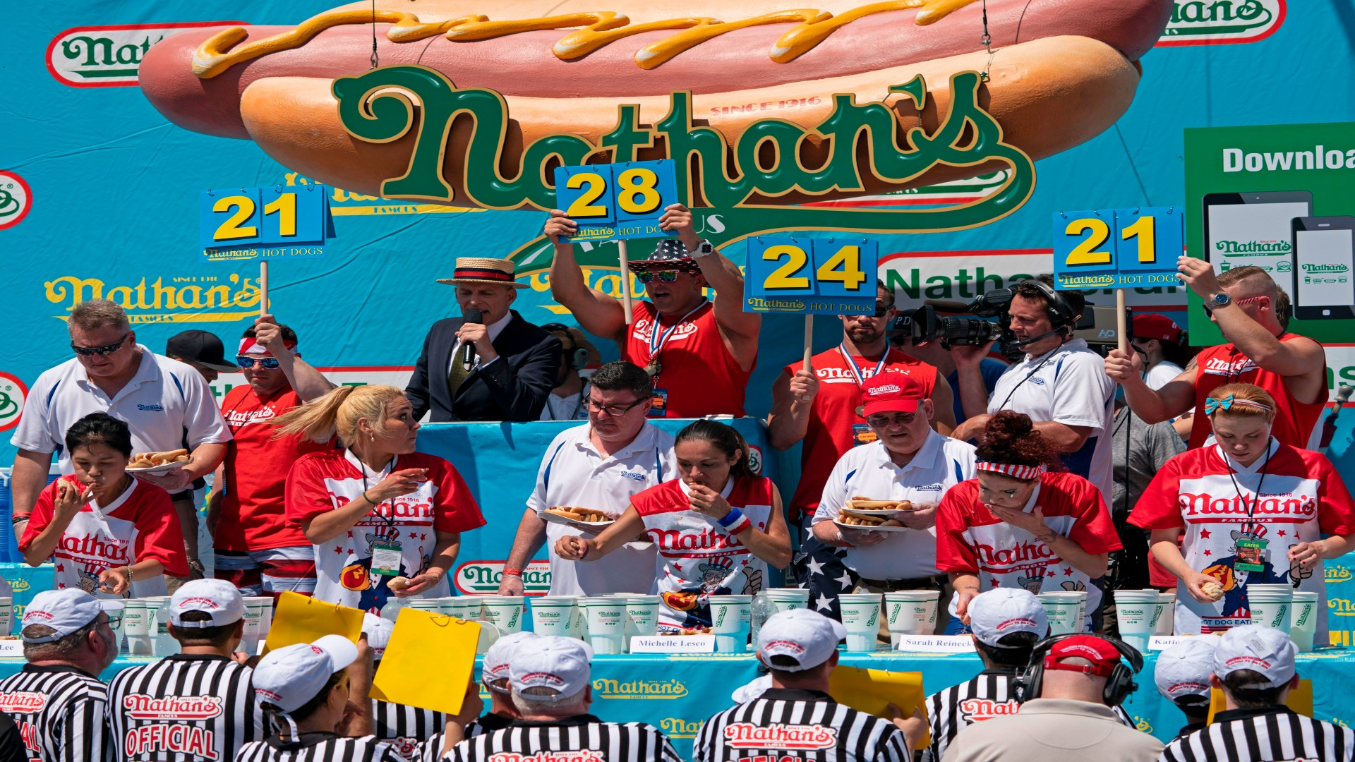 Photo of Nathan's Hot Dog Eating Contest odds, prop bets: Will Joey Chestnut make it 13 wins in 2020?