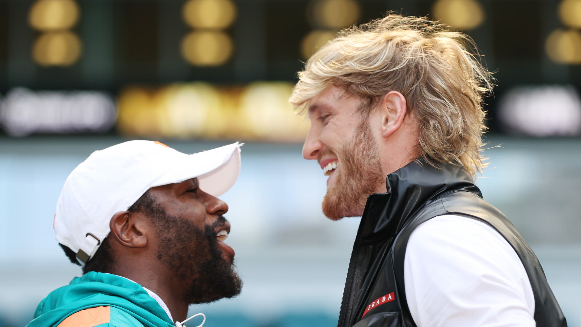 Mayweather Vs Logan Paul Time : When is the floyd mayweather vs.