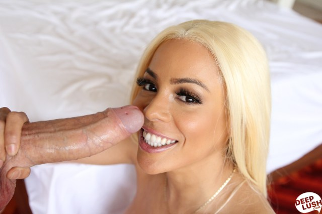 deeplush.com - Luna Star: The Energy We Share