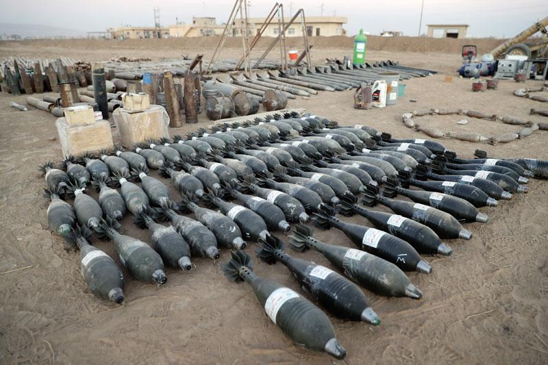foto: apa/afp Raketen und Granaten des IS in Karakosh bei Mossul.