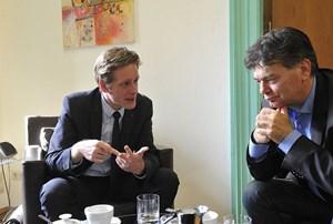 """Jan Krainer (SPÖ) gibt Werner Kogler (Grüne) einen Korb: """"Ich habe keine Lust, einem wie Ihnen, der mit der Keule herumläuft, das Skalpell zu geben."""""""