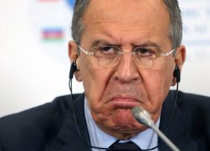 Sergej Lawrow will auf die Bedrohung russischer Interessen auch militärisch reagieren.