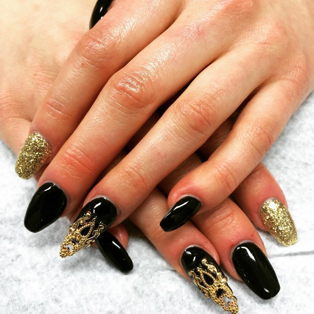 Black And Golden 3d Nail Art