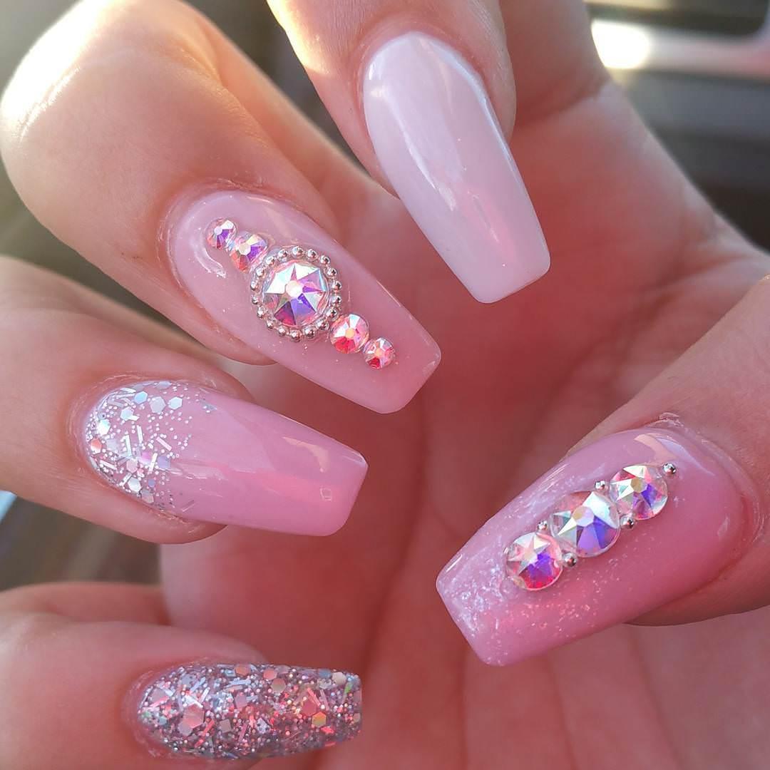Light Unique Nail Art Pink White Design