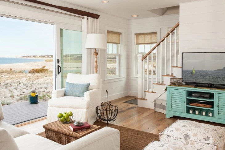 Beachy Farmhouse Style