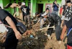 Selain Tukang Cangkul, Bupati Dedi Akan Kirim Cleaning Service Ke Banjir Subang