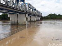 Selfie di Jembatan Kereta Renggut Nyawa Siswi Bojonegoro