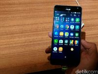 Zenfone AR, Smartphone Pertama dengan RAM 8 GB