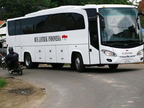 Bus Listrik Dasep Ahmadi