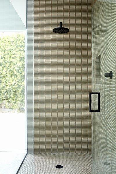 modern bathroom glass tile walls