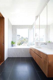 modern bathroom marble walls design