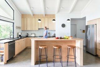 Best 60 Modern Kitchen Quartzite Counters Design Photos And Ideas Dwell