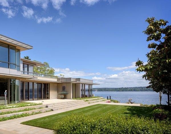 Northwest Art House Modern Home In Seattle, Washington By