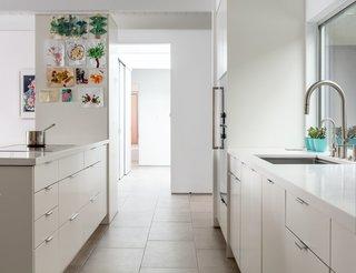 modern kitchen porcelain tile floors