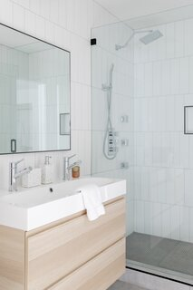modern bathroom ceramic tile floors