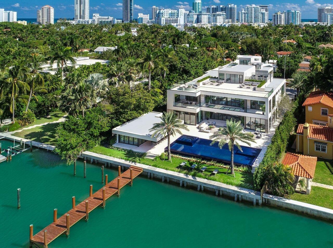 Ultra Luxe 32 Million Mega Mansion On Miami Beach Modern Home On Dwell