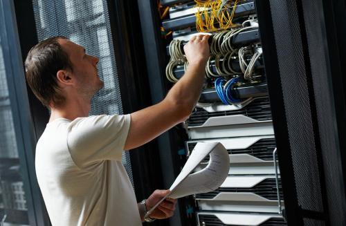 Bảo trì máy chủ là cần thiết để đảm bảo mạng hoạt động tốt.