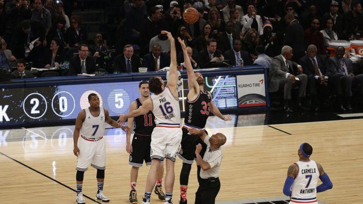 Pau y Marc, en el salto de ambos en el All Star. (EFE)