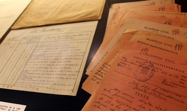 Parte del archivo de la Sección Guerrilla de la Guardia Civil, al descubierto.