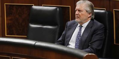 Méndez de Vigo dice que se bajará el IVA cultural pero cuando se pueda