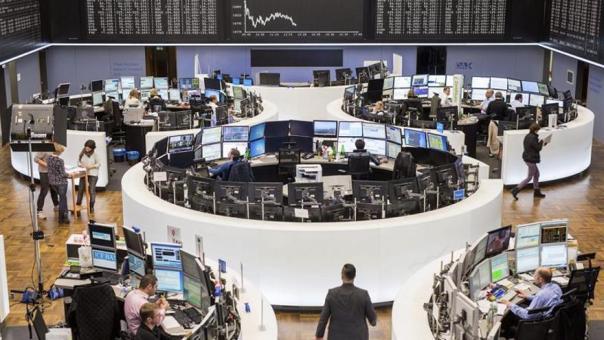 La Bolsa de Fráncfort baja un 3,3 por ciento en la apertura