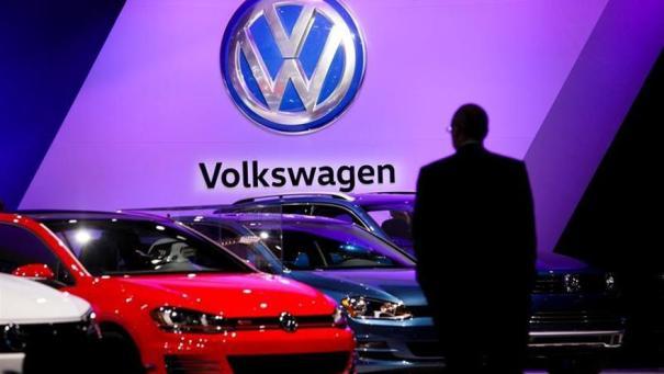 EE.UU. impone una multa de 4.300 millones de dólares a Volkswagen por los motores trucados