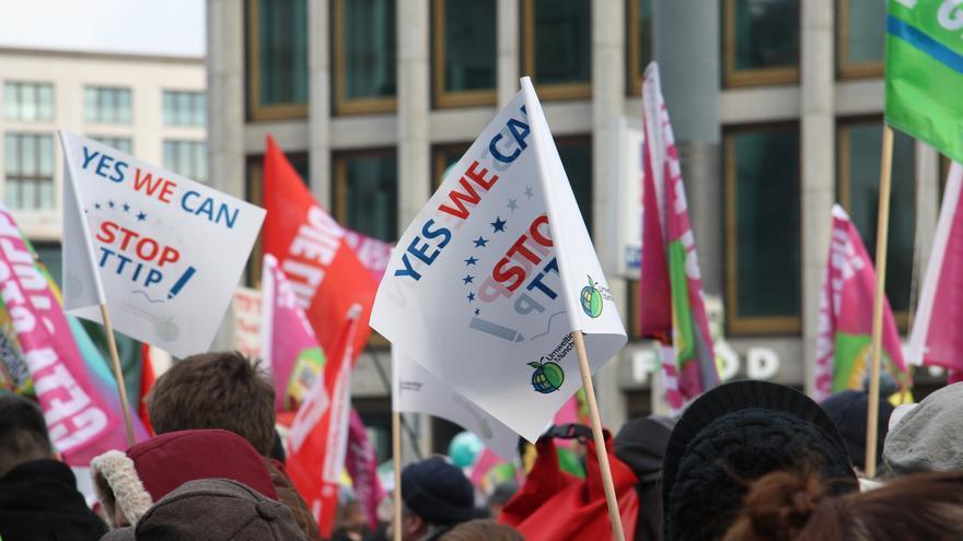 Manifestación en Berlín contra el TTIP. Foto: Mehr Demokratie vía Flickr