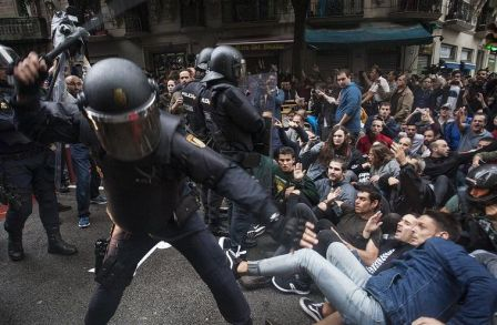 Cargas en calle Sardenya con Diputació (Ramon Llull)