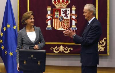 María Dolores de Cospedal en su toma de posesión como ministra de Defensa
