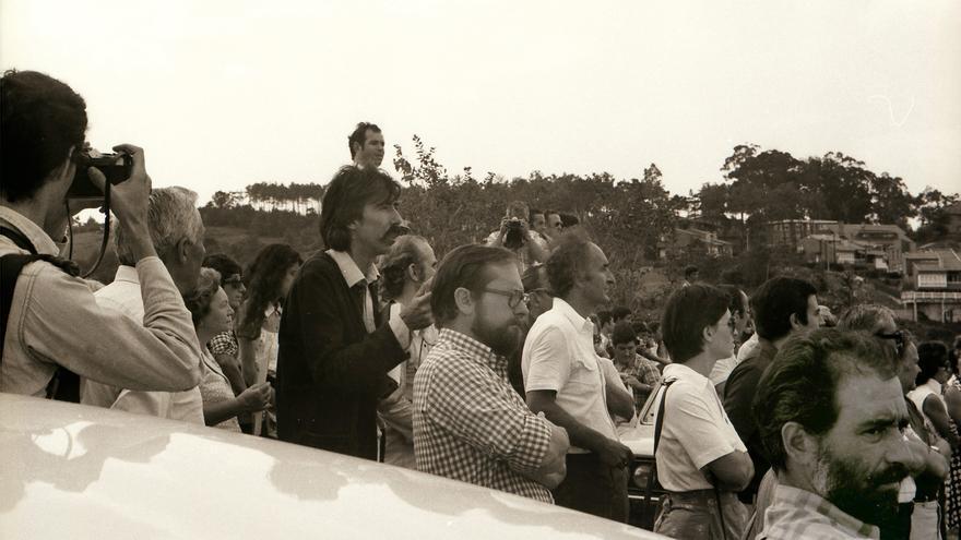 Marcha contra la central, en 1976. José Allende, Chillida y José Ramón Recalde entre otros, forman parte  de la Comisión de Defensa. Foto: José Allende
