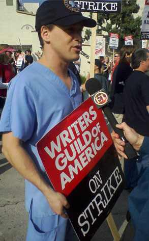 T.R. Knight, Writers' Strike