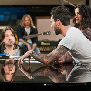 THE VOICE, Whitney Myer, Adam Levine, Alanis Morissette