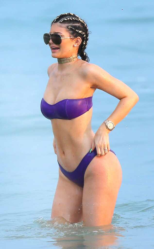 Resultado de imagem para kylie jenner bikini