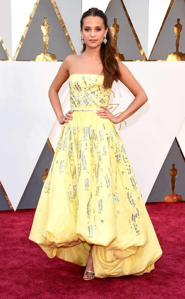 Oscars 2016: Red Carpet Arrivals 2016 Oscars, Academy Awards, Arrivals, Alicia Vikander