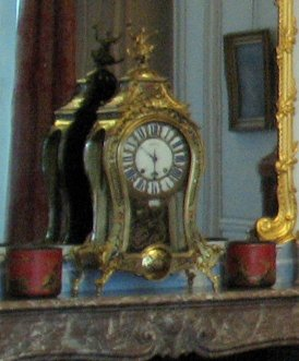 salon-gris-louis-xv_clock_6166