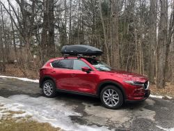 carry thule roof cargo box