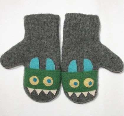 turquoise-horned monster mittens