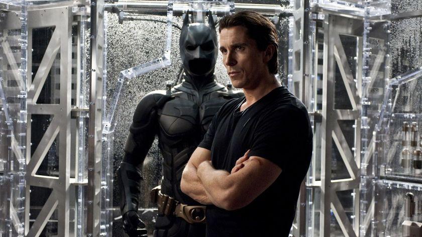 Il Batman di Christopher Nolan e la decostruzione del mito supereroistico