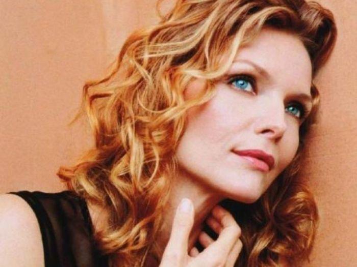 Michelle Pfeiffer in quarantena senza trucco: l'attrice manda i fan in delirio