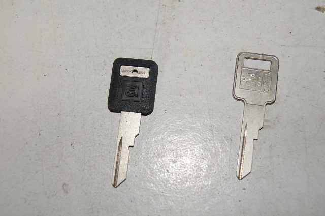 1987 1990 Chevy Pontiac Square Key