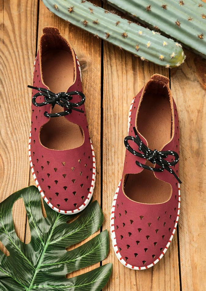 Sneakers Hollow Out Round Toe Lace Up Flat Sneakers in Red. Size: 37,38,39,40,41
