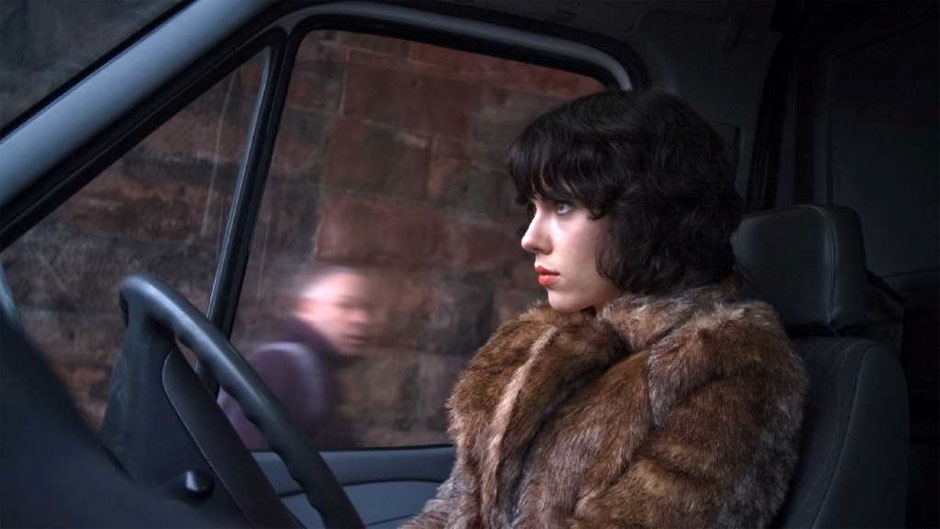 https://i2.wp.com/images.fandango.com/MDCsite/images/featured/201309/Scarlett-Johansson-in-Under-the-Skin-2012-Movie-Image.jpg