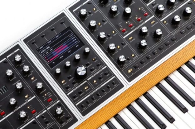 i-1-moog-1-686x457 Go inside Moog's new polyphonic synthesizer and live-streaming website Technology
