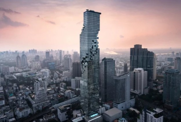 12-skytray-677x457 This terrifying glass deck lets you hover 1,000 feet above Bangkok Interior