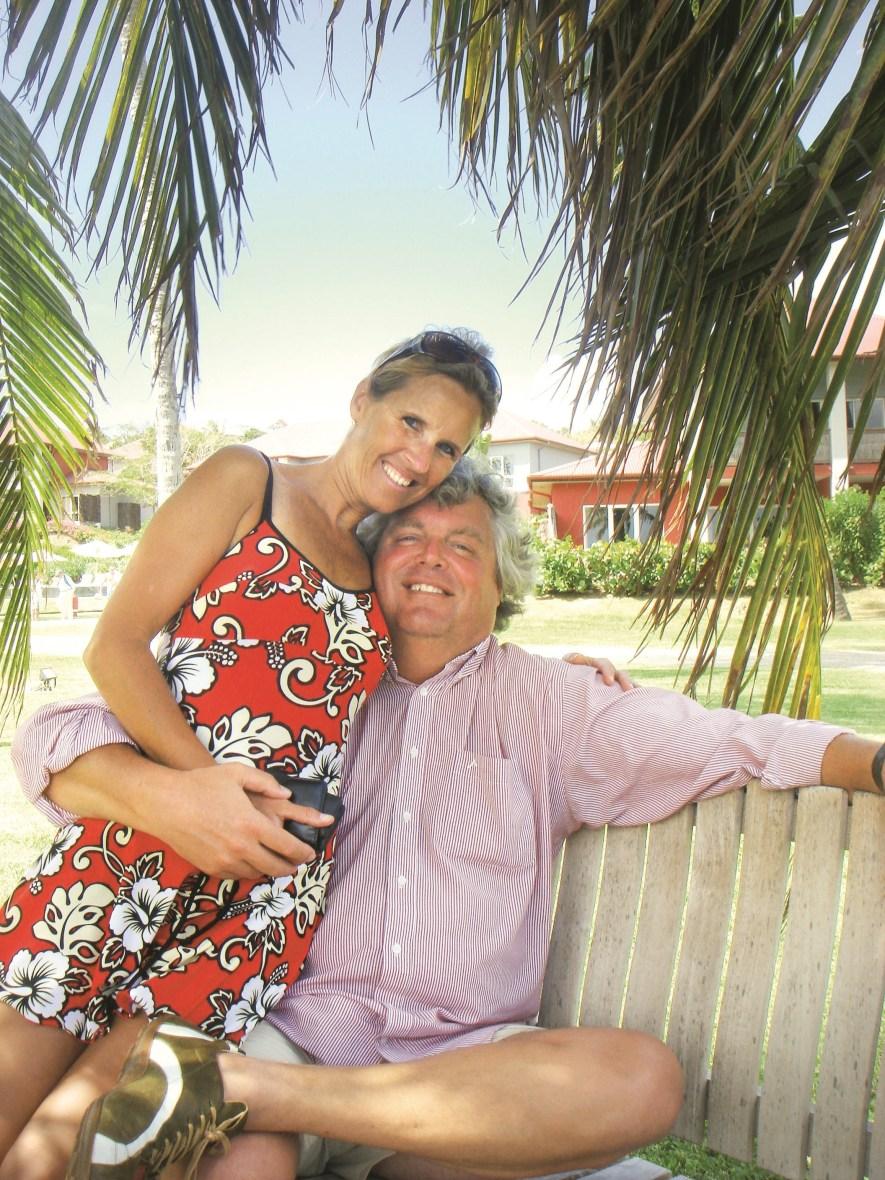 Ton Elias en Monique de Vos op hun huwelijksreis in Martinique, in 2008.