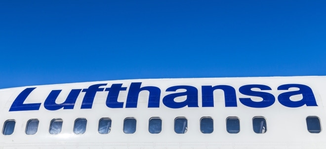 Kritik von UFO: Lufthansa bietet älteren Flugbegleitern Abfindungen an - Aktie fällt deutlich | Nachricht | finanzen.net
