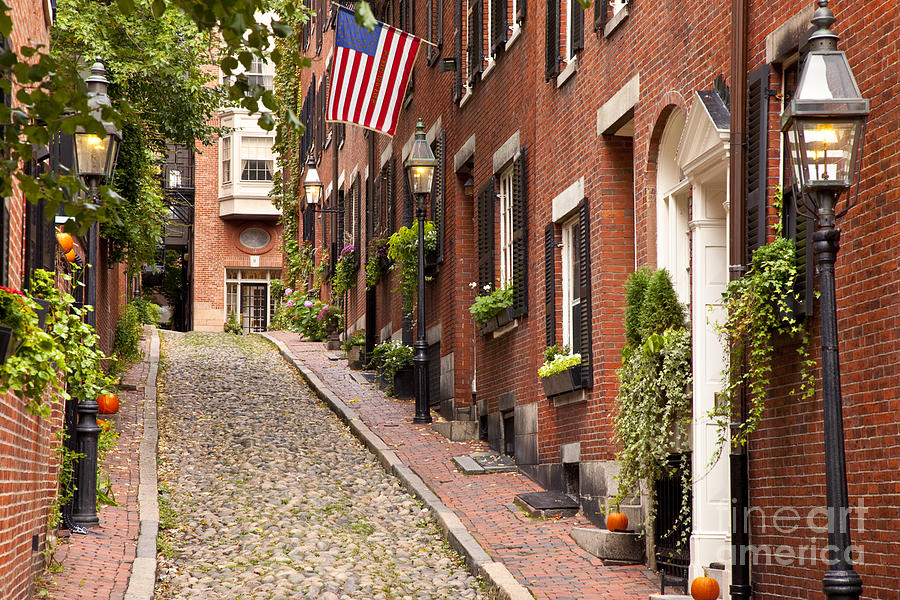 https://i2.wp.com/images.fineartamerica.com/images-medium-large-5/2-acorn-street-boston-brian-jannsen.jpg?w=1170