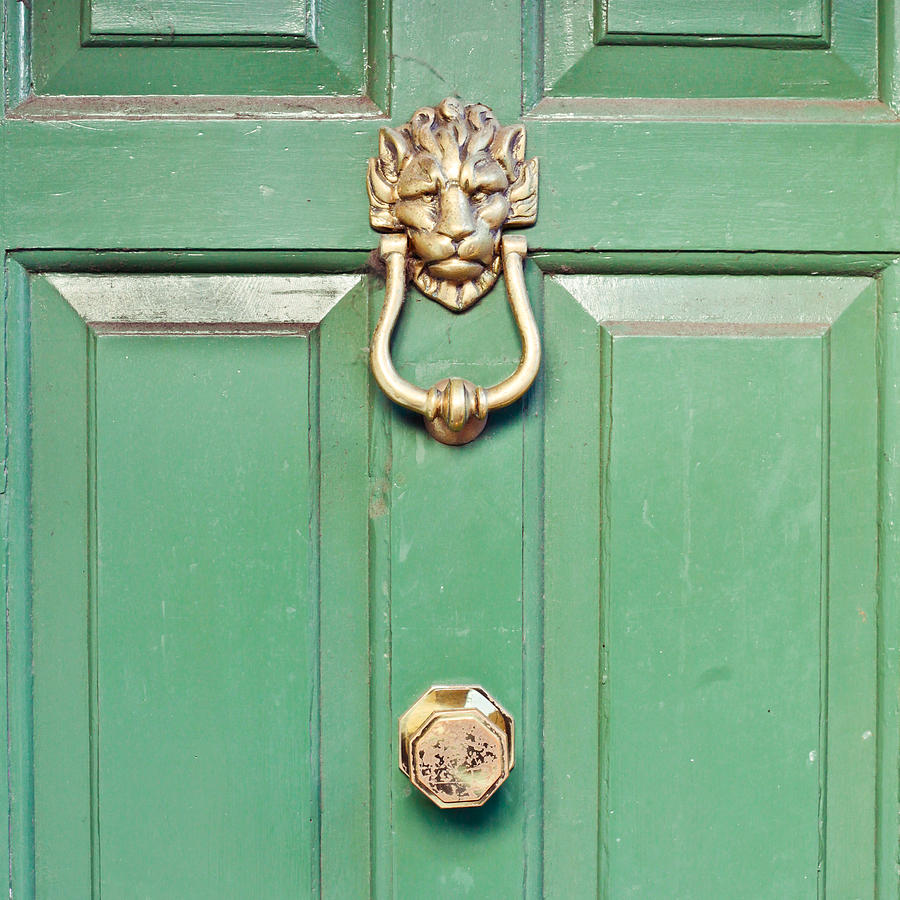 https://i2.wp.com/images.fineartamerica.com/images-medium-large-5/door-knocker-tom-gowanlock.jpg