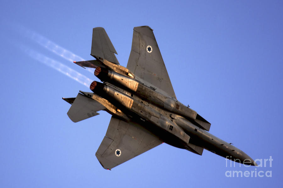 https://i2.wp.com/images.fineartamerica.com/images-medium-large/iaf-f15i-fighter-jet-on-blue-sky-nir-ben-yosef.jpg